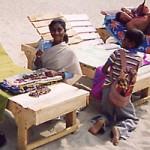 Kinder! wollen ihre Ware verkaufen...Ist in Goa verboten!