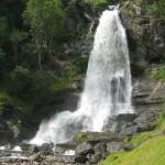 Norwegen: Wasserfall Steinsdalsfossen