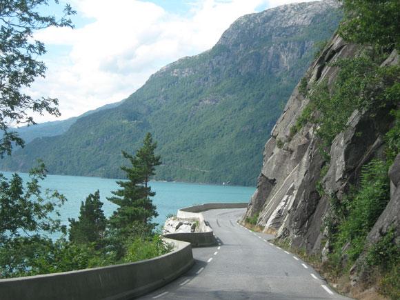 Strasse am Hardangerfjord