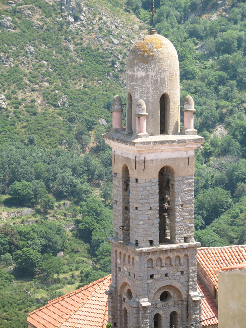 Kirchturm von Spuncatu