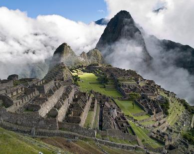 Für den Machu Picchu bietet sich ein erfahrener Reiseführer an - so verpasst man nichts von der einzigartigen Landschaft