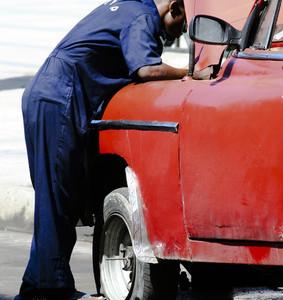 Autoreparatur auf Kuba