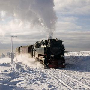Brockenbahn bei ihrer Fahrt