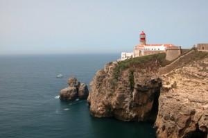 Der Leuchtturm in Sagres zählt zu einem der Wahrzeichen der Algarve