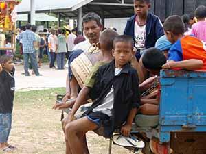 Lebensumstände von Kindern in Asien sind nicht mit in der westlichen Welt zu vergleichen.