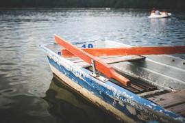 Angelboot im Fjord