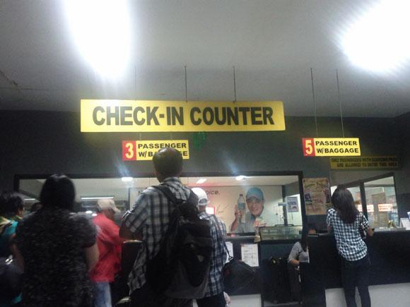 Check-In Counter bei der Fähre in Cebu