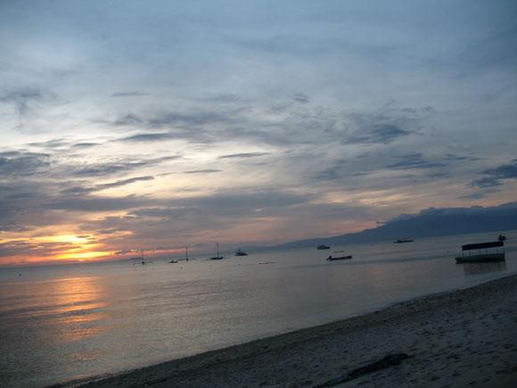 Sonnenuntergang am Strand von Siquihor