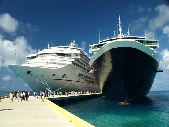 cruise ships grand turk island