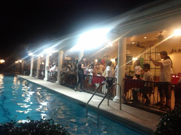 Sinulog Preparty am Pool des Montebello Hotel in Cebu